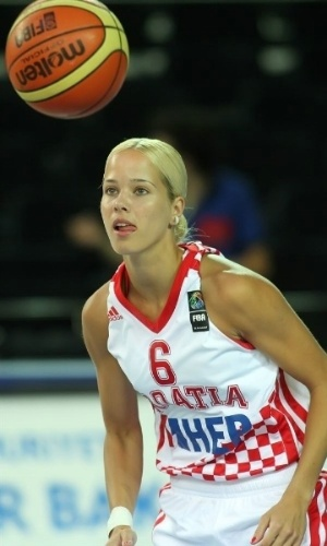Mesmo com pouco tempo de quadra pelo time de basquete da Croácia, Antonija Misura já compete para o título de musa dos Jogos