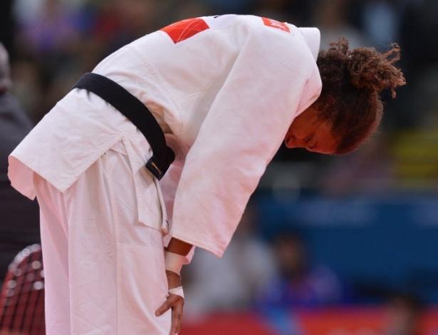Rafaela Silva ficou inconformada após a derrota nesta segunda-feira