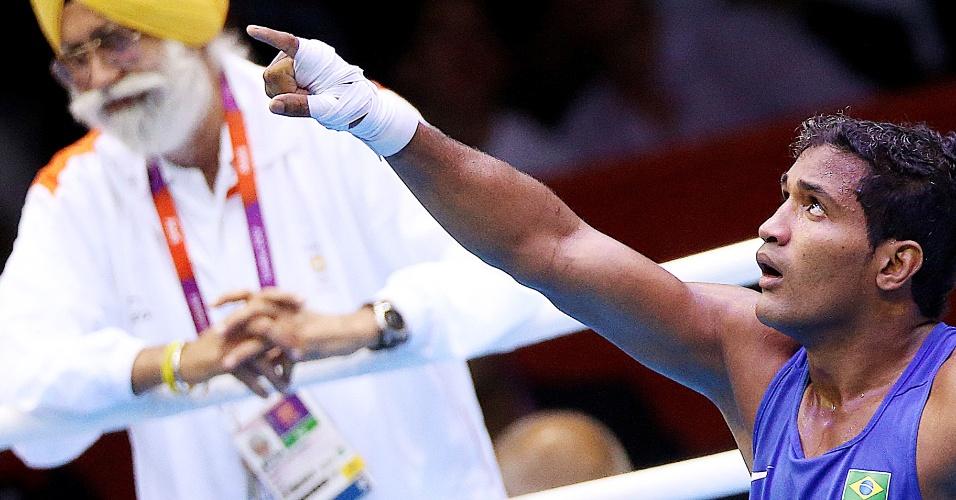 Yamaguchi Falcão comemora vitória em sua estreia no boxe, nos Jogos Olímpicos de Londres