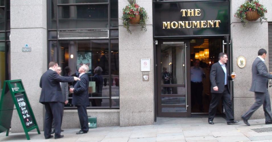 11ª parada: O pub Monument oferece transmissão ao vivo da Olimpíada e lota durante a happy hour