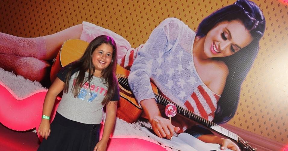 """A atriz Ana Karolina Lannes, que interpreta a personagem Ágata em """"Avenida Brasil"""", na pré-estreia de """"Katy Perry: Part of Me 3D"""" (30/7/12)"""