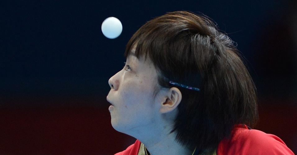 A japonesa Kasumi Ishikawa participa dos tênis de mesa dos Jogos Olímpicos de Londres