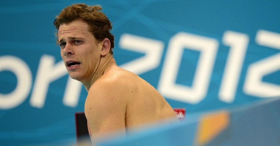 Cesar Cielo faz cara feia ao deixar a piscina nas semifinais dos 100 m livres