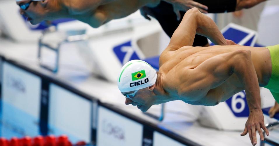 Cesar Cielo terminou sua bateria na quinta colocação e avançou para a semifinal dos 100 m livre com o décimo melhor tempo