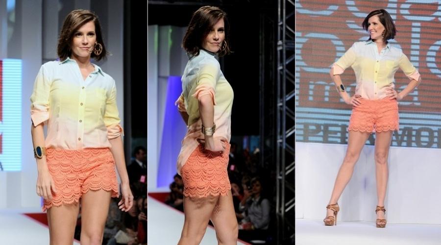Deborah Secco participou nesta terça da 13ª edição do Coleções Mega Pólo Moda, no Brás, em São Paulo (31/7/12)