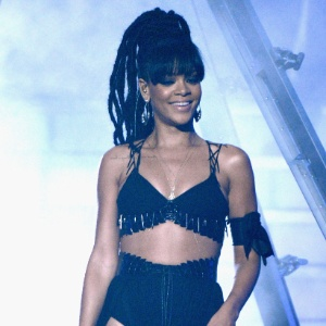 Fã que invadiu casa de Rihanna (foto) em 2010 ainda vive na mesma cidade da cantora nos EUA