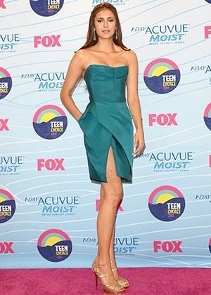 Nina Dobrev - duelo mais bem vestidas julho 2012