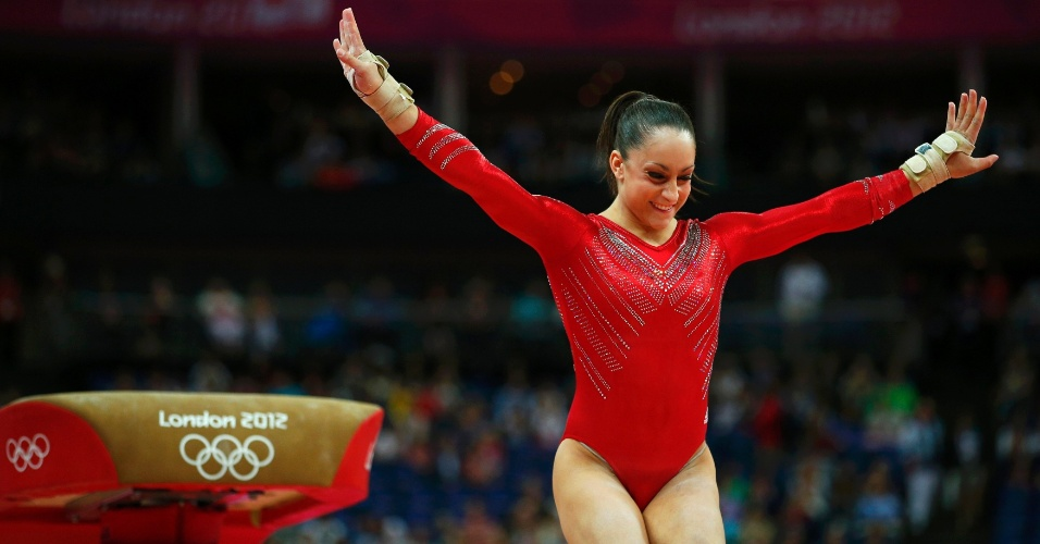 Norte-americana Jordyn Wieber crava sua saída no salto durante final feminina por equipes da ginástica artística em Londres (31/07/2012)