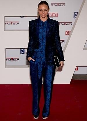 A estilista Stella McCartney foi condecorada pela rainha Elizabeth 2ª com a Ordem do Império Britânico (OBE, na sigla em inglês) - Getty Images