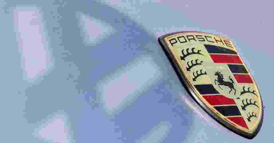 A compra de 50,1% das ações da Porsche, anunciada em julho deste ano, custou 4,46 bilhões de euros (aproximadamente R$ 11,3 bilhões) para o grupo VW; com a decisão, a Volks passou a ter 100% dos direitos da fabricante de esportivos e assumiu o controle das operações da marca - EFE