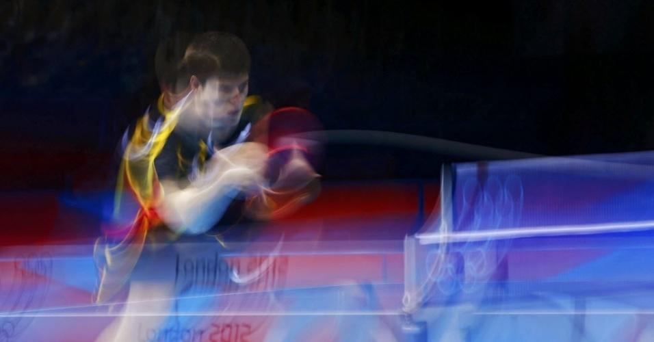 Alemão Dimitrij Ovtcharov e dinamarquês Michael Maze durante partida de quartas de final do tênis de mesa