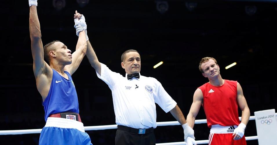 Boxeador Robenilson Vieira de Jesus venceu mais uma em Londres. Desta vez a vítima na categoria até 56 kg foi o russo Sergey Vodopiyanov
