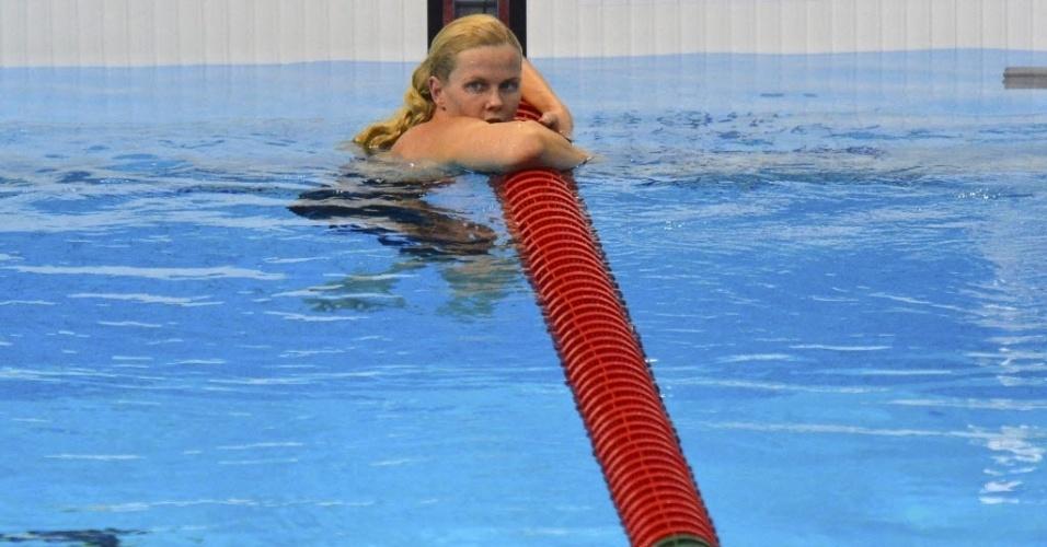 Britta Steffen, da Alemanha, fica desolada após não conseguir vaga na final dos 100 m livre em Londres