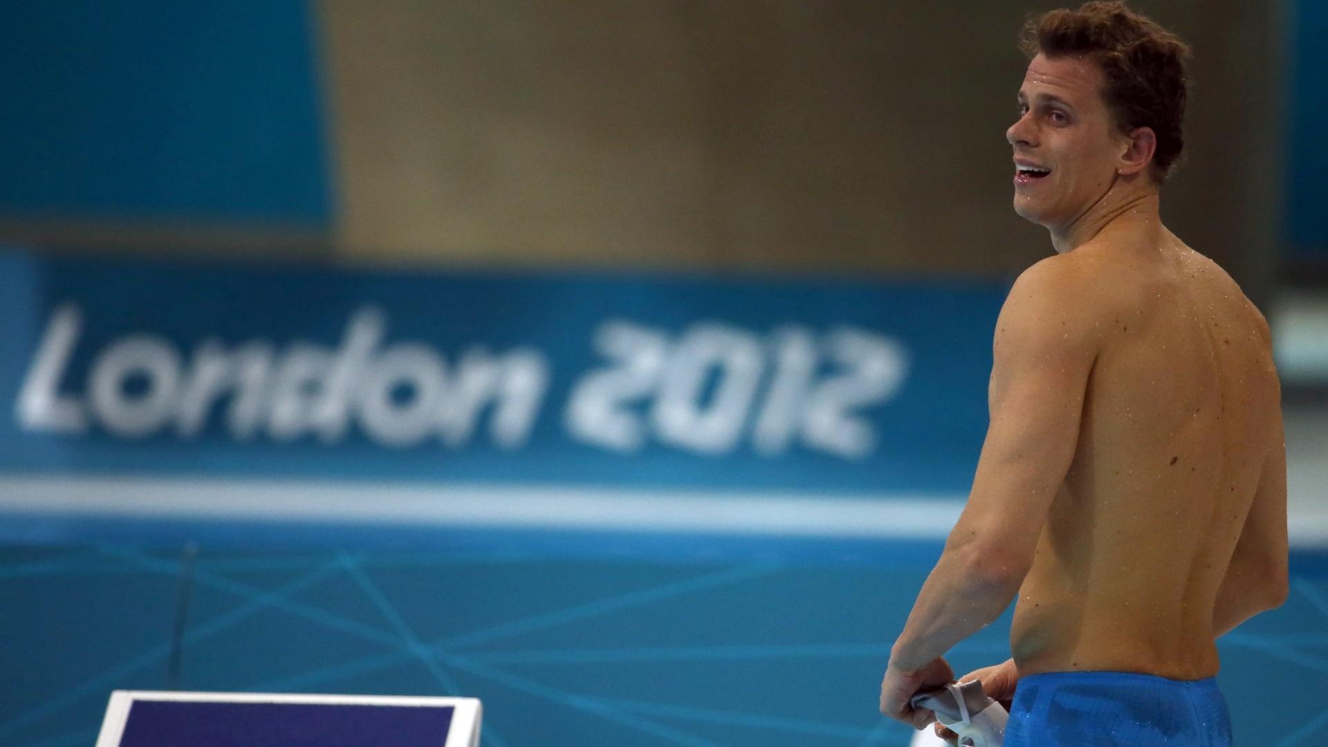 Cesar Cielo olha para o lado depois de terminar a final dos 100 m livre na sexta colocação