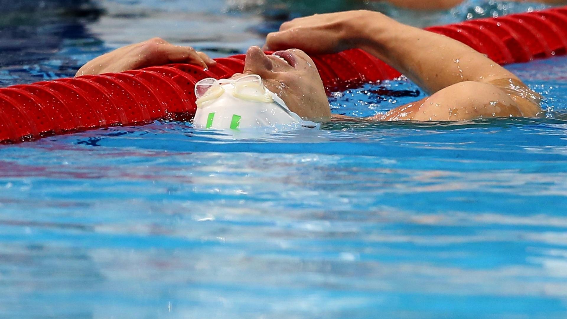 Cesar Cielo se solta e relaxa na piscina após a disputa dos dos 100 m livre