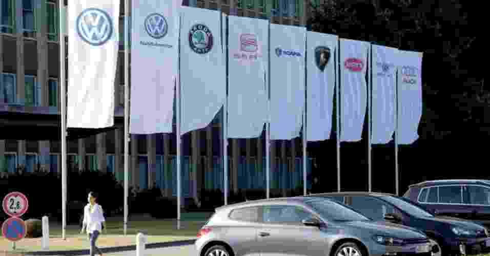 Grupo Volkswagen atualmente tem onze marcas: VW carros, VW veículos comerciais, Skoda, Seat, Scania, Lamborghini, Bugatti, Bentley, Audi, MAN (que cuida de caminhões e ônibus) e agora a Porsche; objetivo é consolidar-se como a fabricante número 1 até o ano de 2018 - Divulgação