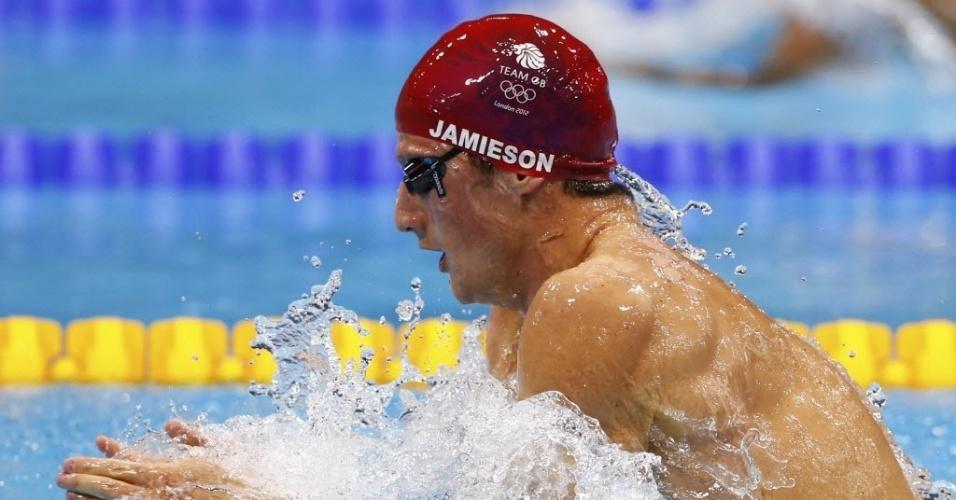 Michael Jamieson compete durante a final dos 200 m peito; britânico ficou com a medalha de prata