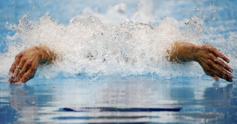 Michael Phelps compete nas semifinais dos 200 m medley nos Jogos Olímpicos de Londres