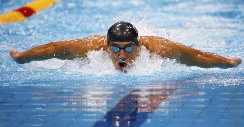 Michael Phelps disputa uma das semifinais dos 200 m medley, em Londres