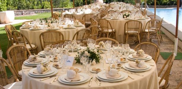 Tipo de evento pode ser realizado em casa e pode enxugar o orçamento do casamento em até 70% - Thinkstock