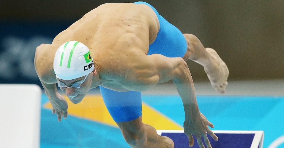 Nadador Cesar Cielo larga para a prova dos 100 metros livres; brasileiro terminou na sexta colocação