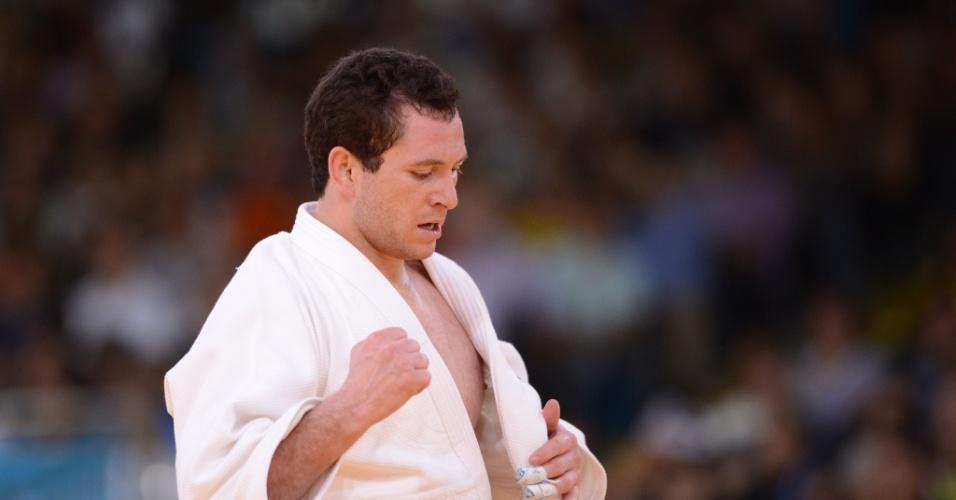 Tiago Camilo venceu italiano Roberto Meloni por ippon e avançou às quartas de final da categoria até 90 kg