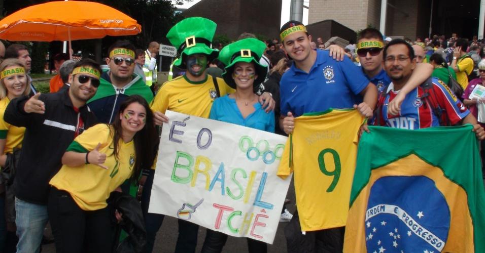 Torcedores fazem festa antes da bola rolar para Brasil e Nova Zelândia na última rodada da fase de grupos do futebol masculino
