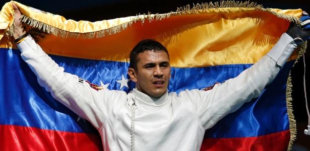 Venezuelano Ruben Limardo Gascon comemora a vitória na final da esgrima nos Jogos de Londres