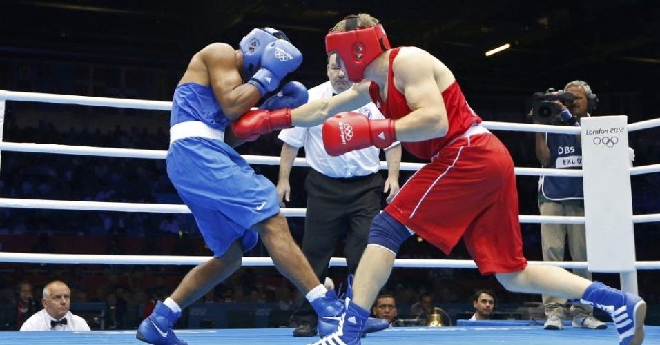 Brasileiro Esquiva Falcão luta pelas oitavas de final da categoria peso-médio contra Soltan Migitinov, do Azerbeijão (02/08/2012)