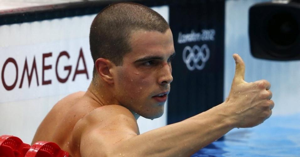 Bruno Fratus acena positivamente após vencer a segunda bateria da semifinal nos 50 m livre