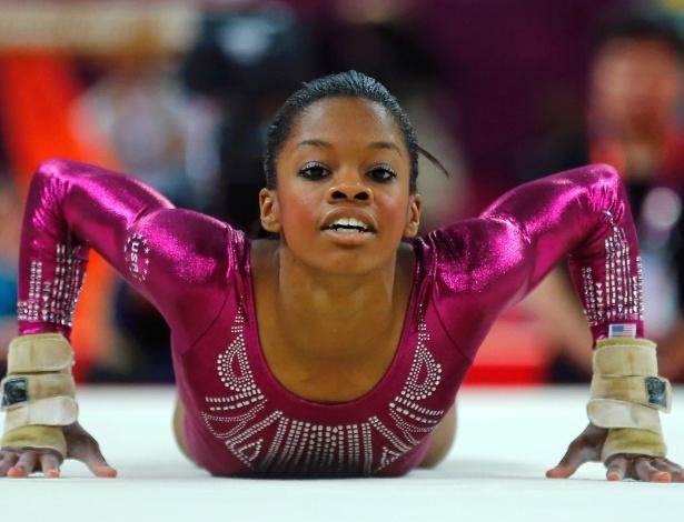 Gaby Douglas se apresenta no solo; americana assegurou a medalha de ouro na final individual geral