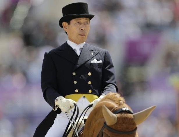 Hiroshi Hoketsu monta cavalo Whisper durante Jogos de Londres-2012 (02/07/2012)