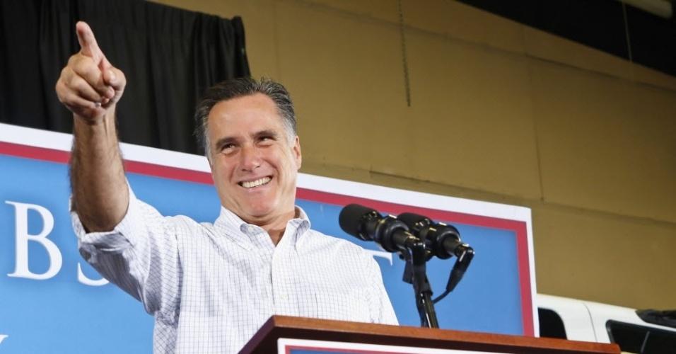 """3.ago.2012 - O candidato republicano à Presidência dos Estados Unidos, Mitt Romney, faz campanha eleitoral em Las Vegas, Nevada (EUA). Nesta sexta-feira, Romney, chamou de """"fracassadas"""" as  políticas de Obama para conter o desemprego no país, que subiu para 8,3%"""