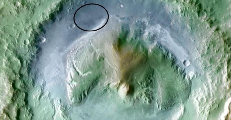 Cratera de Gale (na imagem), no monte Sharp (com 5.000 metros), em Marte