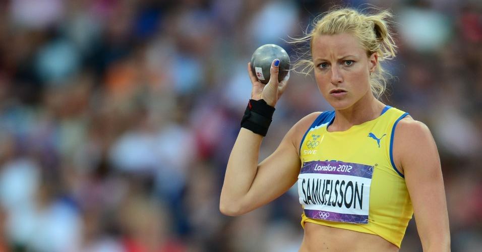 Jessica Samuelsson, atleta da Suécia, durante prova de arremesso de peso na competição feminina de heptatlo