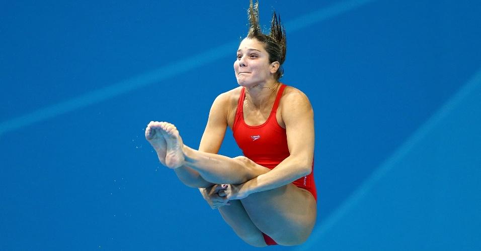 Juliana Veloso, atleta brasileira dos saltos ornamentais durante primeira fase da competição de trampolim de 3 m em Londres