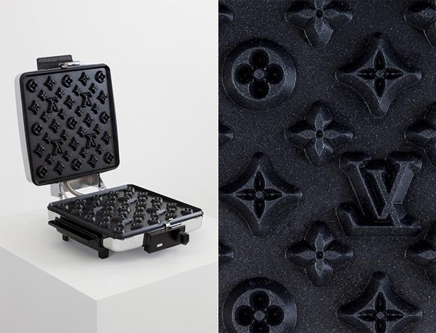 Máquina de waffles com monograma da Louis Vuitton criada pelo artista norte-americana Andrew Lewicki - Divulgação