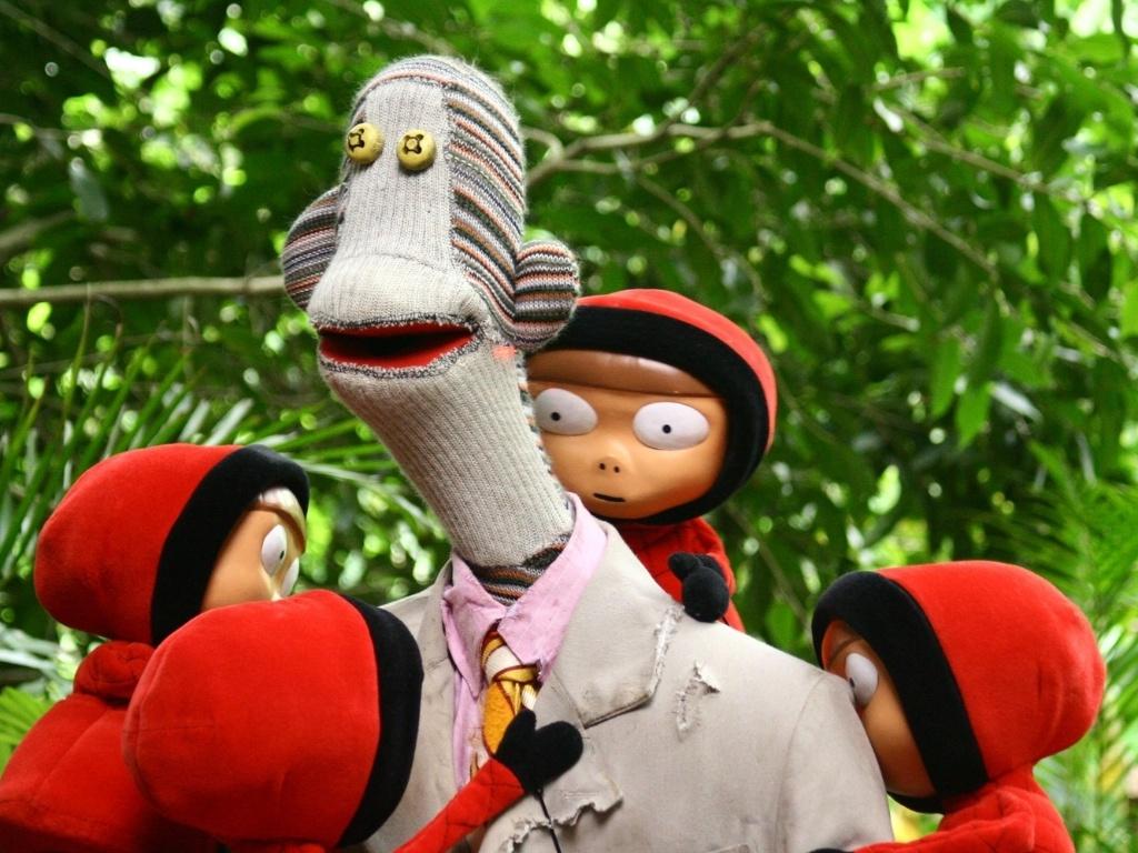 Na trama, o animal exótico Juanín foi expulso de sua função como produtor de telejornal