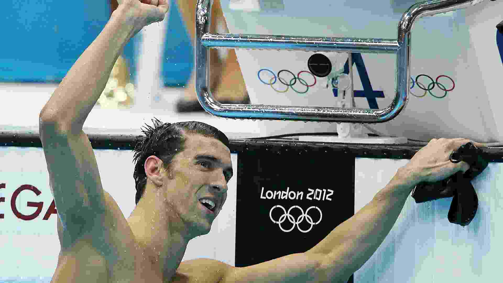 Nadador norte-americano Michael Phelps comemora vitória nos 100 m borboleta, seu 17º ouro em Olimpíadas - Flavio Florido/UOL