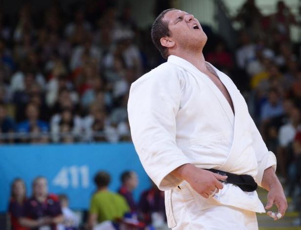 Rafael Silva comemora após vencer sul-coreano na disputa do bronze entre os pesos pesados em Londres