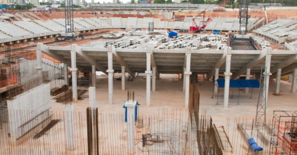 As obras da Arena da Amazônia, em Manaus (AM), sede de quatro jogos da Copa do Mundo, atingiram 42% de conclusão em julho de 2012