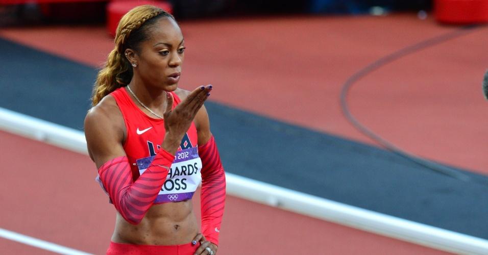 Atleta dos Estados Unidos, Sanya Richards-Ross, manda beijos para comemorar resultado na prova semifinal dos 400 m livres