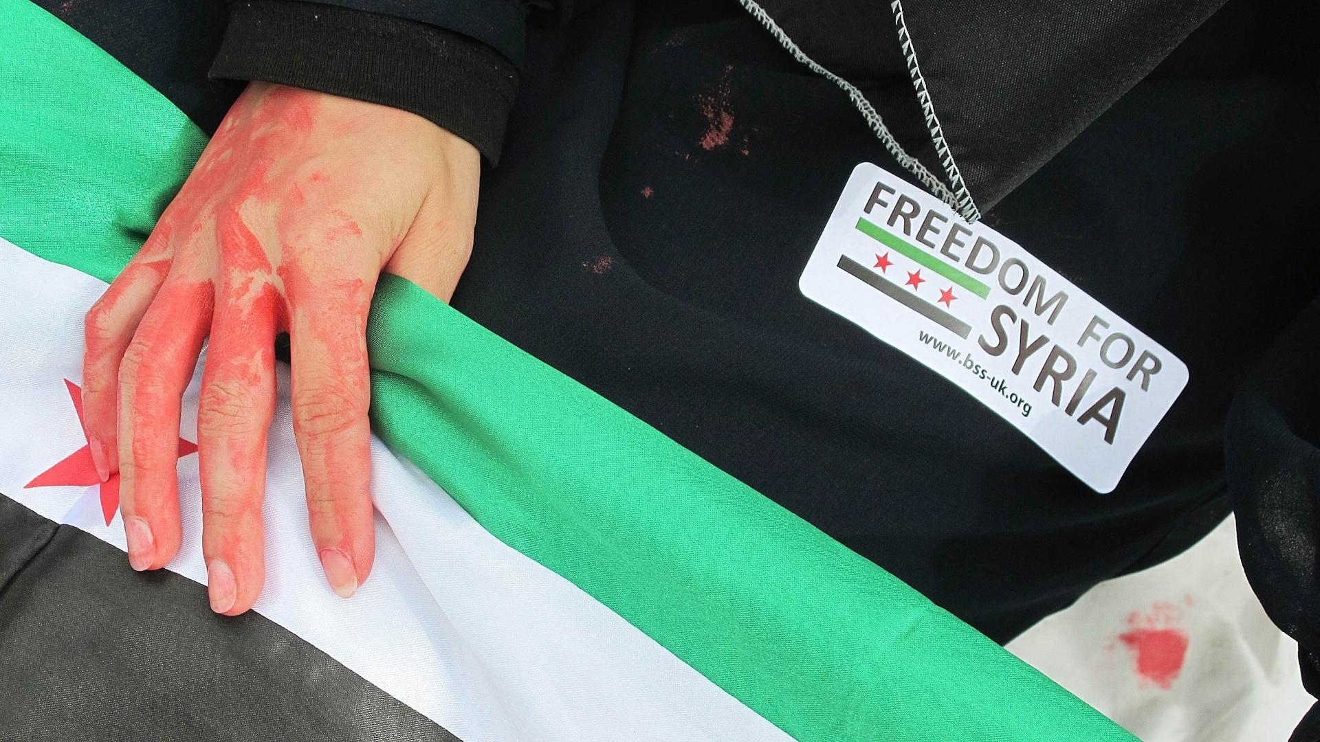 Cavaleiro Ahmad Hamcho ganhou atenção especial depois de manifestar seu apoio ao presidente Bashar Al-Assad e tornou-se alvo de protestos internacionais