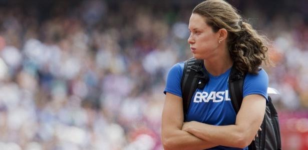 Fabiana Murer errou três vezes em 4,55 m e não chegou à final do salto com vara