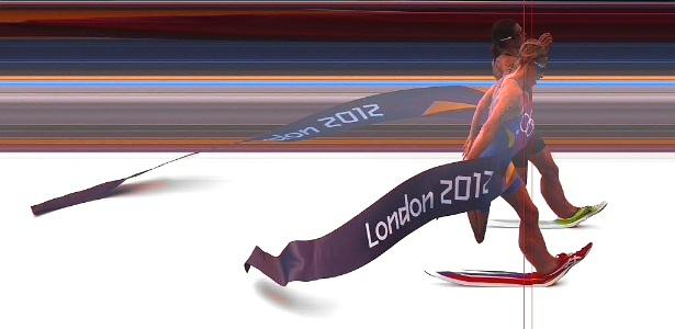 Imagem da chegada da prova de triatlo definiu a medalha de ouro para a suíça Nicola Spring