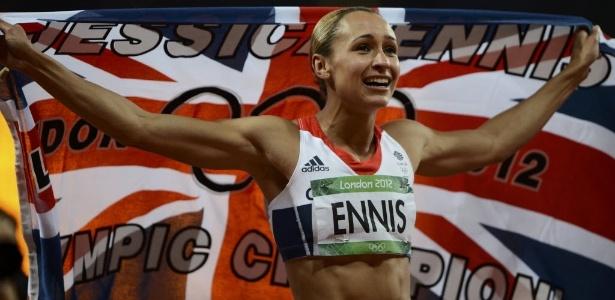 """Britânica Jessica Ennis, """"queridinha da torcida"""", comemora o ouro no heptatlo em Londres"""