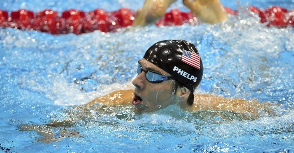 Michael Phelps deixa a piscina após o ouro no 4x100 m medley, sua última prova na história olímpica