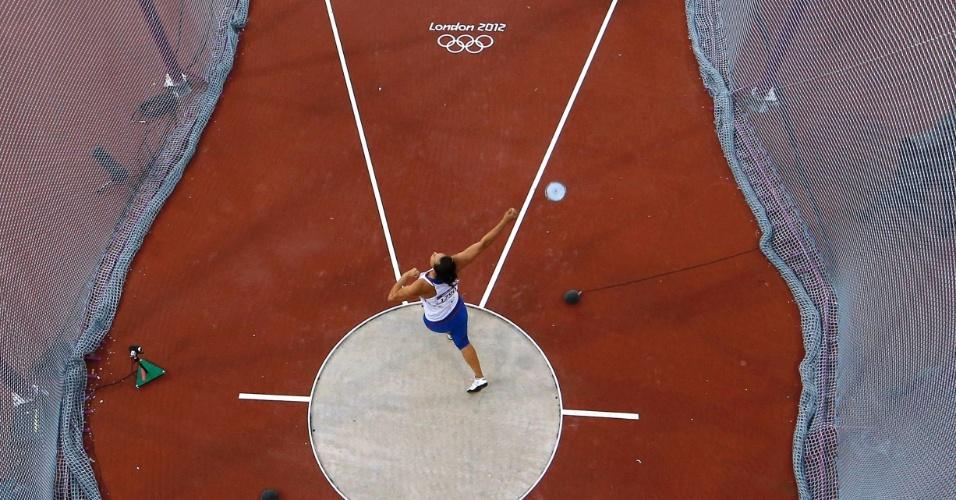 Vista de cima da prova final do lançamento de disco feminino no Estádio Olímpico de Londres
