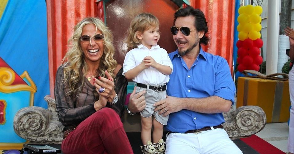 Vittorio, filho de Adriane Galisteu e Alexandre Iódice, celebrou dois anos neste sábado com festa em um espaço infantil em Moema, São Paulo (4/8/12)