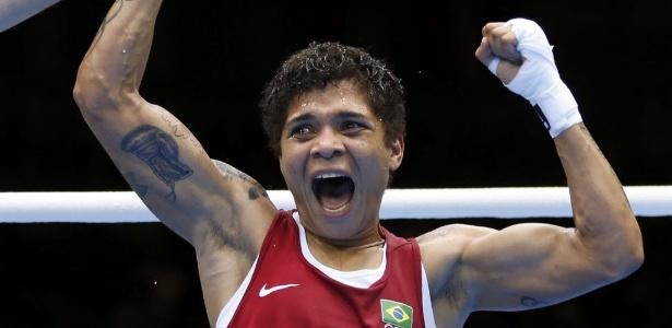 Adriana Araújo, de 30 anos, venceu duas lutas e, com a derrota na semifinal, deixa Londres com o bronze